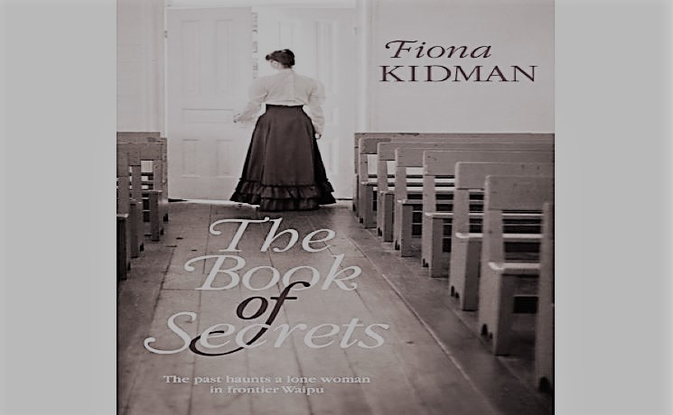"Livre ""The book of secrets"""