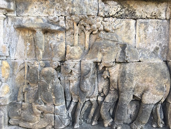 bas relief Borobudur indonesie