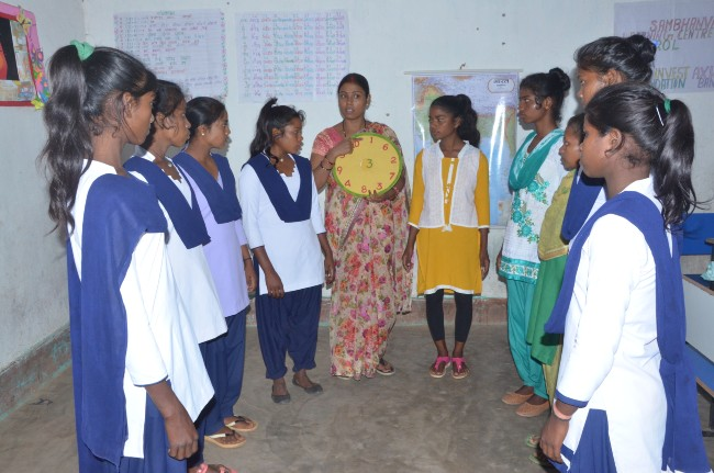 youthinvest adolescentes jharkhand education