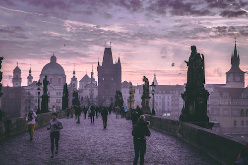 Prague expatriation femmes