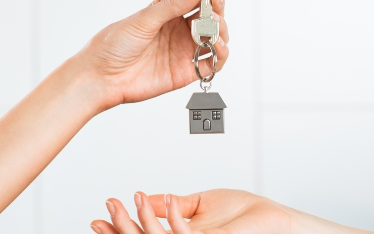 handing-over-house-key
