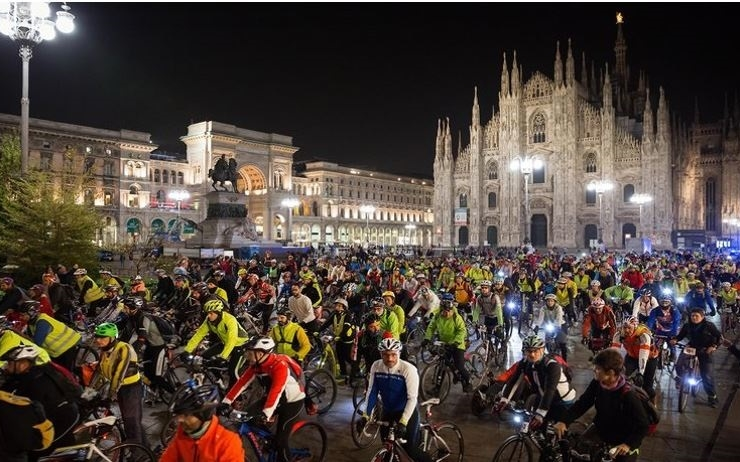 Bike night milan