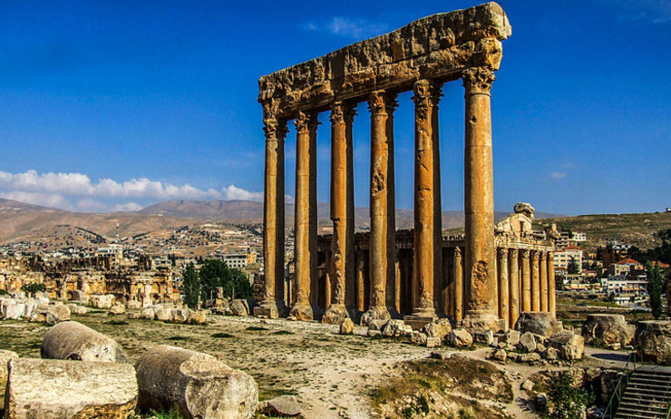 800px-Baalbeck_Temple wikipedia