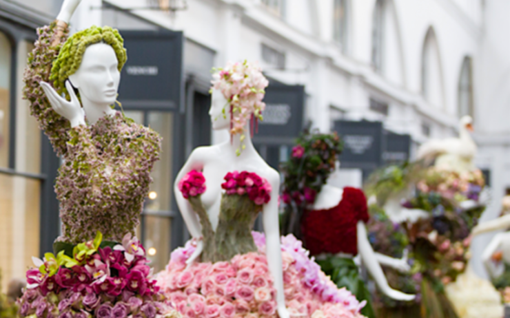 Covent Garden Bloom robes fleurs grandeur nature Londres