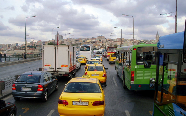 trafic embouteillage istanbul voiture turquie