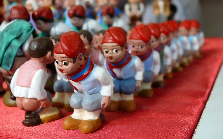 Caganer Catalan crèche insolite Noël