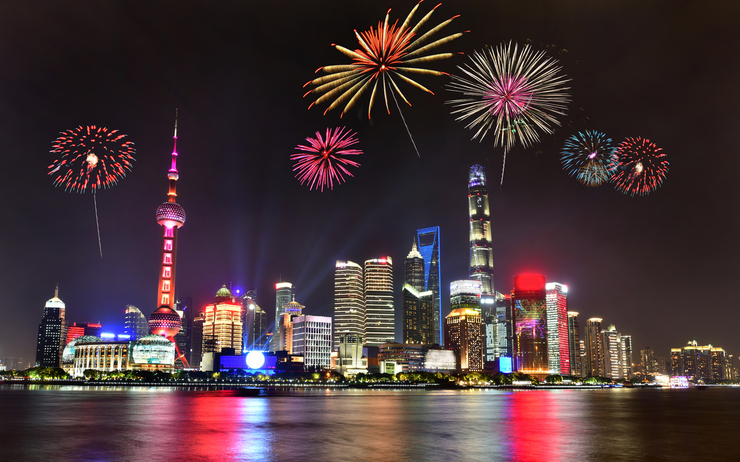 L2F-Dec-19-pic-China-New-Years-Eve-Shanghai-fireworks-iStock-1189325269